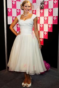 British Wedding Dress Designers on British Wedding Dress Designer Has Unveiled A Unique Bridal Gown